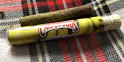 Cannawoods Novelty Blunt - Banana OG 2 g Flower - 0.25 g Shatter - 0.25 Kief Blunt